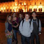 Za-naszymi-plecami-budynek-w-którym-był-podpisany-traktat-lizboński