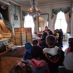 Zwiedzanie pałacu w Nieborowie.